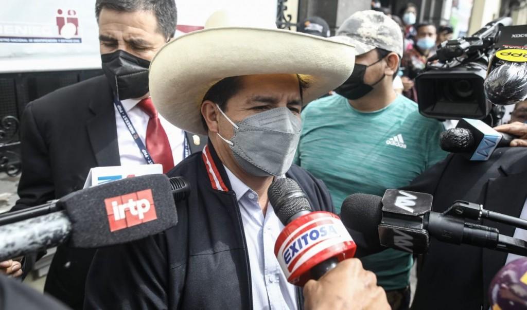Perú: Castillo adelantó que priorizará la salud de su pueblo