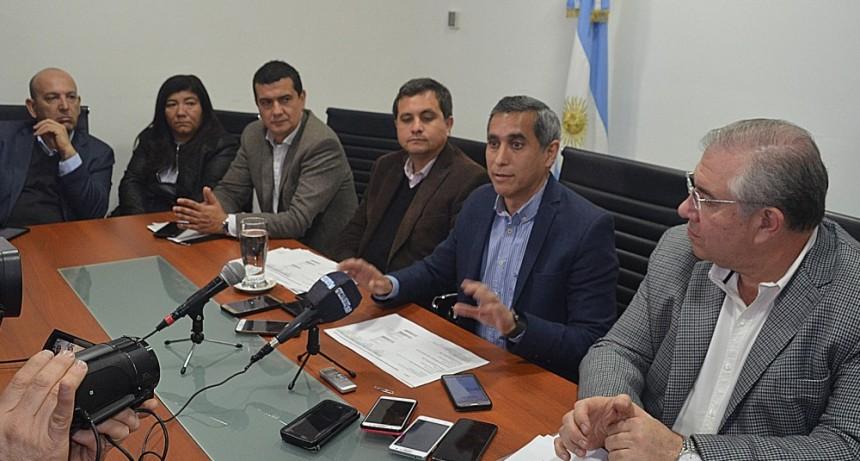 Paredes Urquiza pidió la renuncia de los directivos de EDELaR y responsabilizó al gobierno por la falta de pago a los PEM