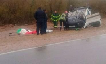 Vuelco de una camioneta en cercanías de Chepes deja como saldo una persona muerta