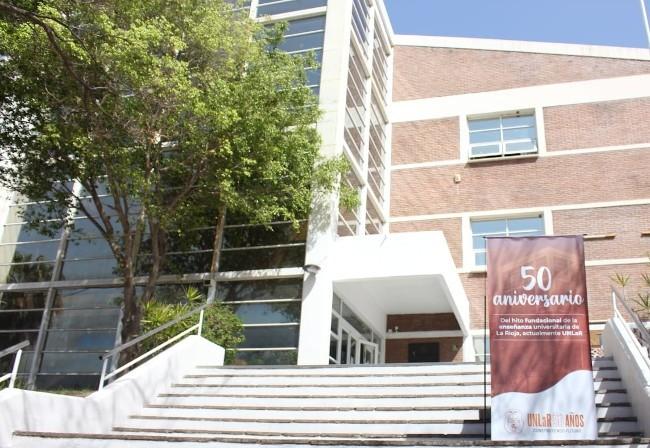 UNLaR celebra 50 años del hito fundacional de la educación universitaria en La Rioja