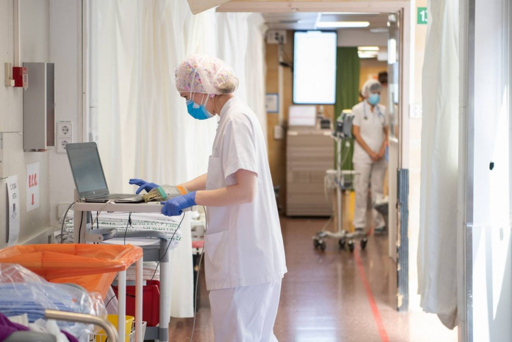 84 personas fallecieron y se registraron 1.825 nuevos contagios de coronavirus en el país