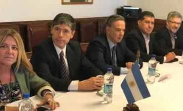 Fondos Extras: El gobernador Casas participó de una reunión con la CGT nacional