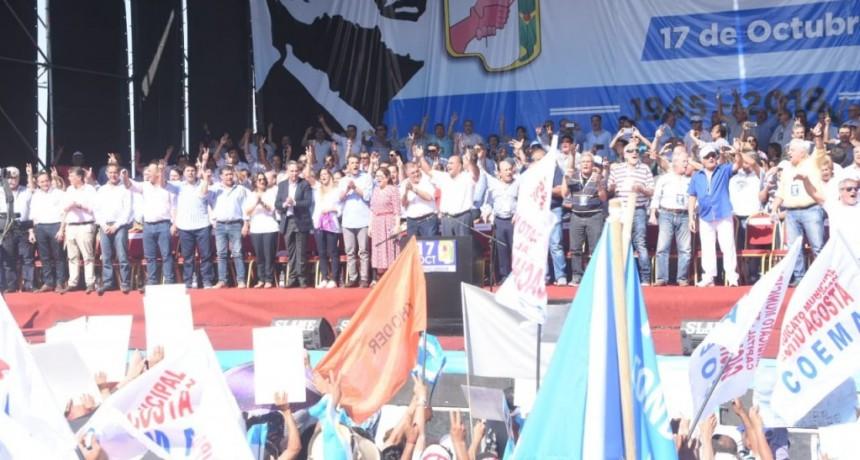 Casas participó del acto por el Día de la Lealtad en Tucumán