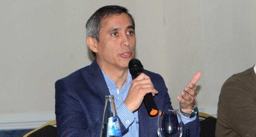 Paredes Urquiza disertará en España