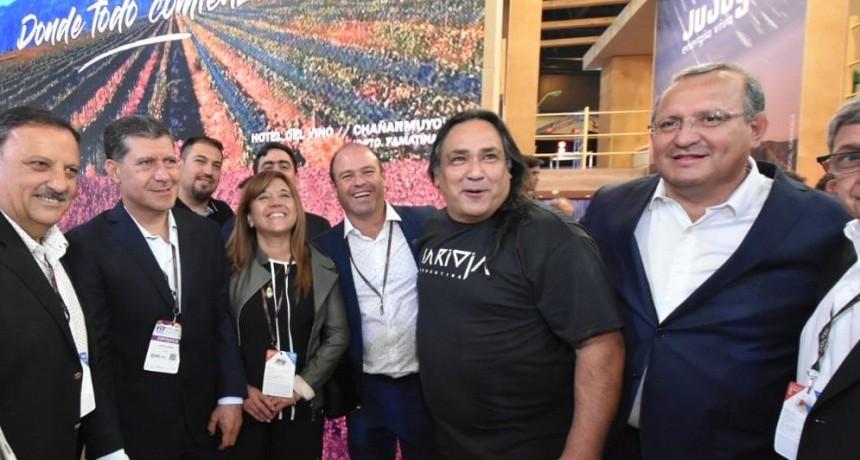 La Rioja recibió el premio por Talampaya al ritmo de la Chaya en la FIT 2019