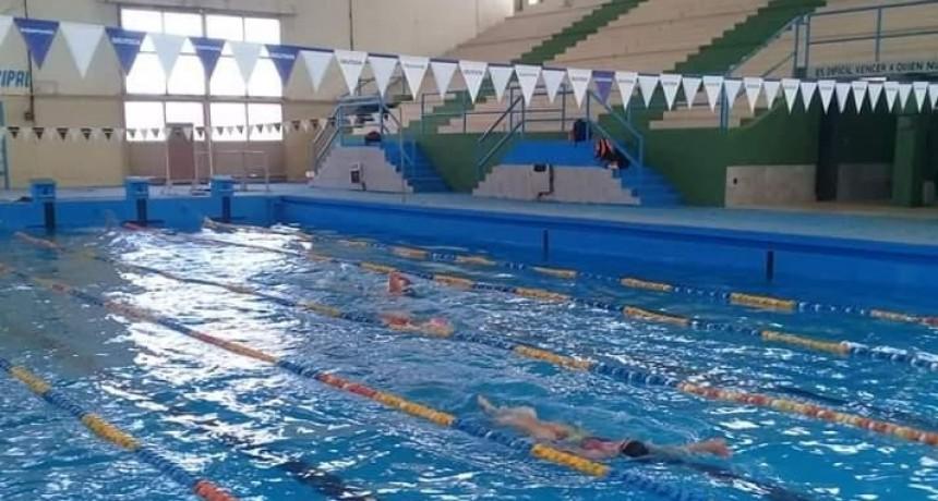 Continúan las actividades en el Polideportivo Menem